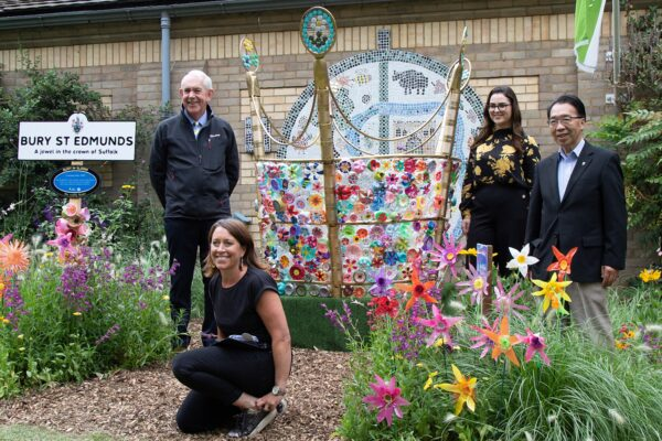 Crowning Glory sculpture unveiled